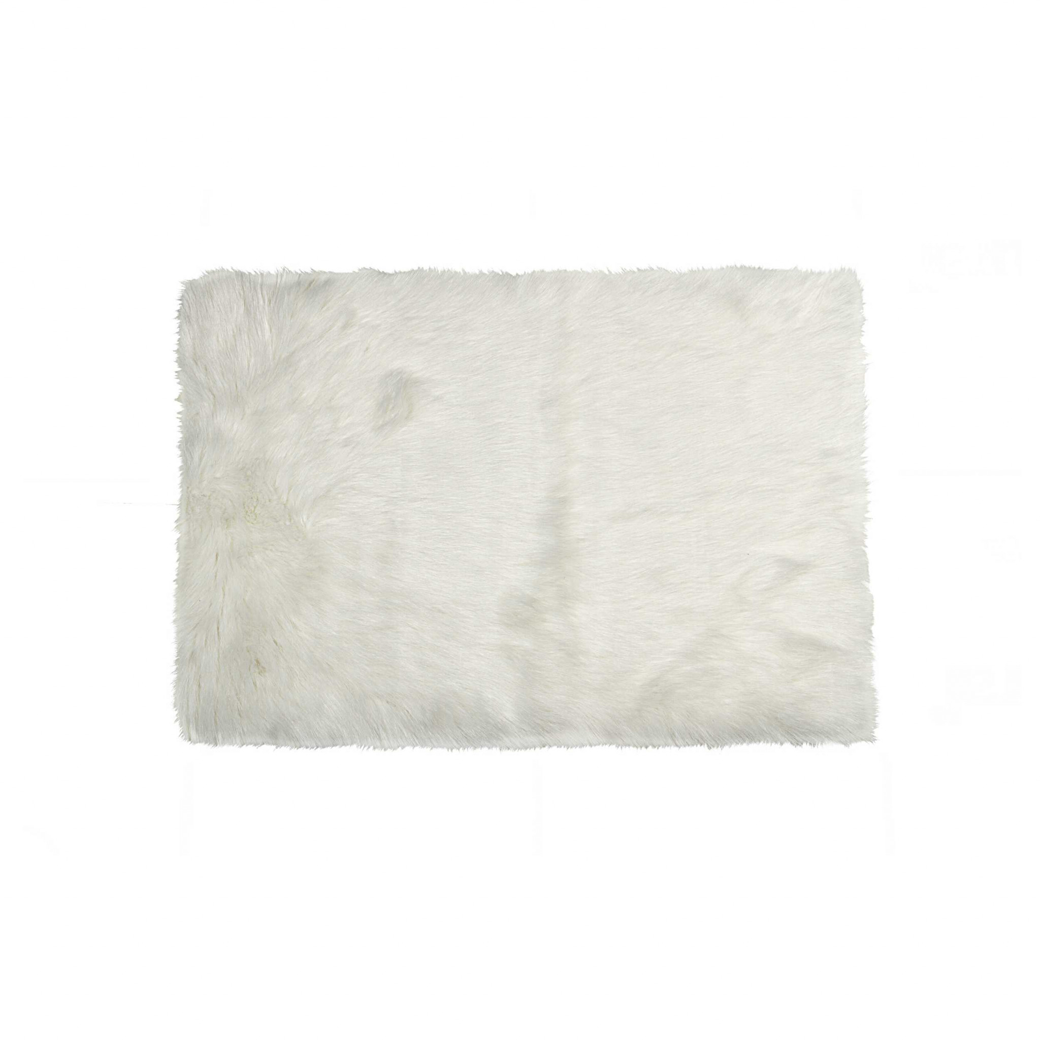 3' X 5' Off White Rectangular Faux Fur Area Rug